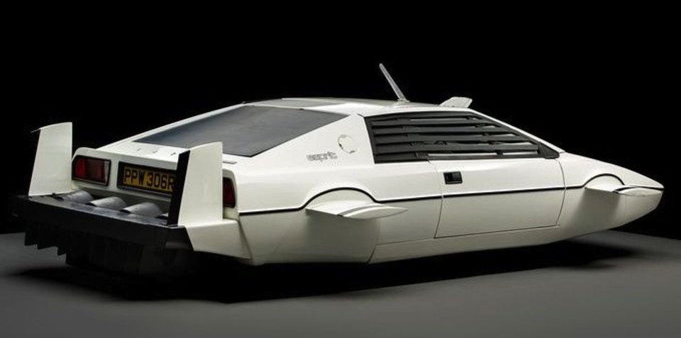 Elon Musk to transform 007's Lotus Esprit into a real submarine car
