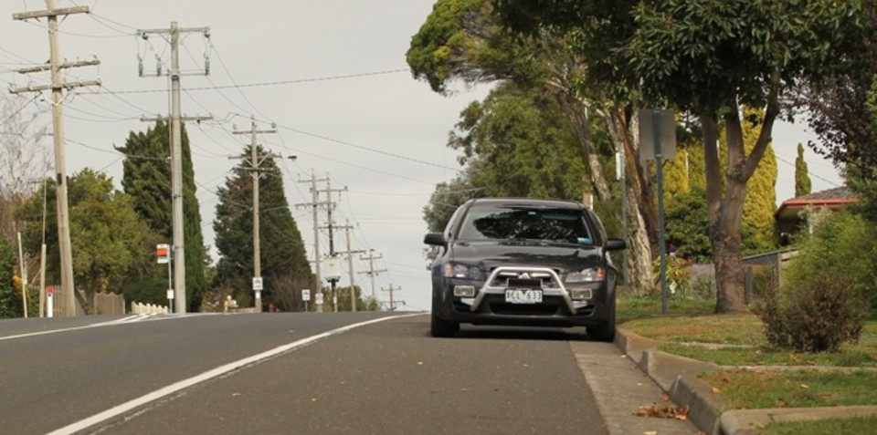 Speed camera rule changes allow Vic Police to hide behind trees, on hills