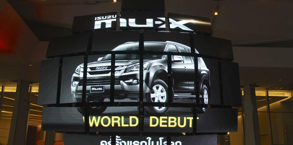 Isuzu MU-X aims to double Holden Colorado 7 sales in 2014