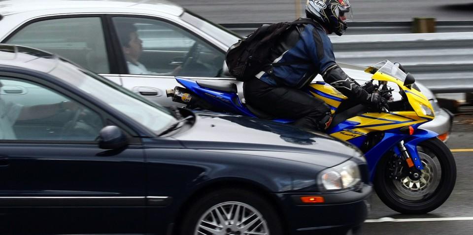 Motorcycle lane filtering legalised in NSW
