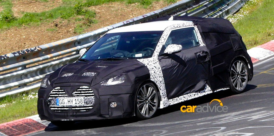Hyundai Veloster facelift spied - UPDATED with images from the Nurburgring