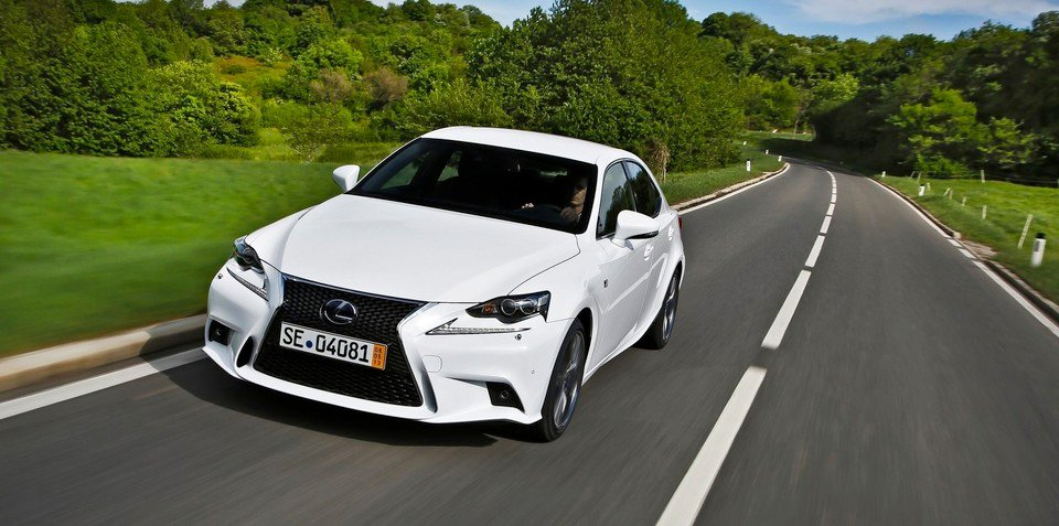 Lexus IS200t :: Car maker files trademark for turbo sedan - report