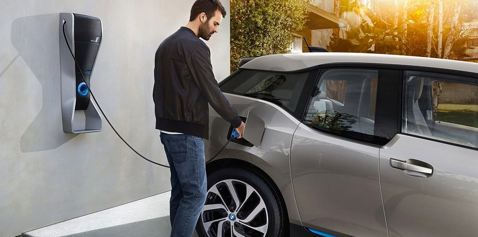 Almost 40 per cent of luxury car owners would consider an EV - study