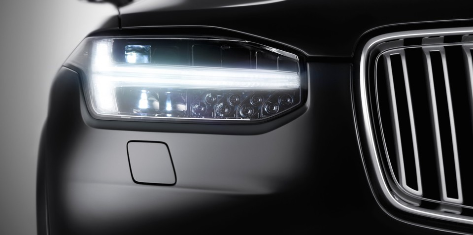2015 Volvo XC90 :: first look at SUV's new face