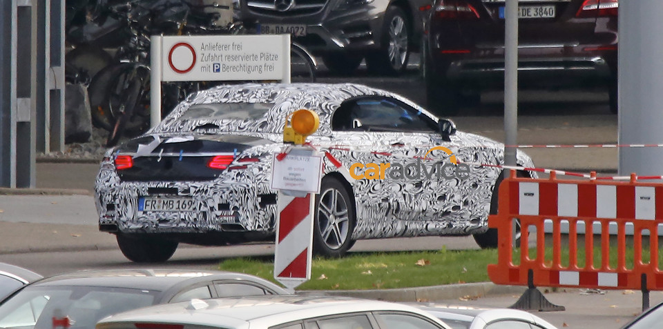 Mercedes-Benz C-Class Cabriolet : Spy shots reveal S-Class Coupe-inspired tail-lights