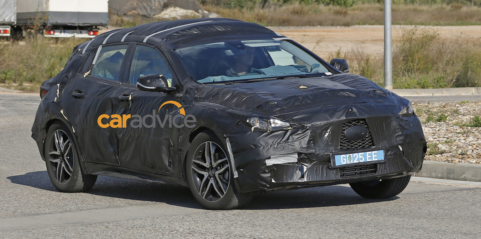 2016 Infiniti Q30 spied for the first time