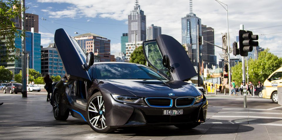 BMW i8 wins International Engine of the Year