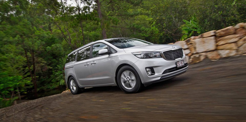 2015 Kia Carnival pricing and specifications