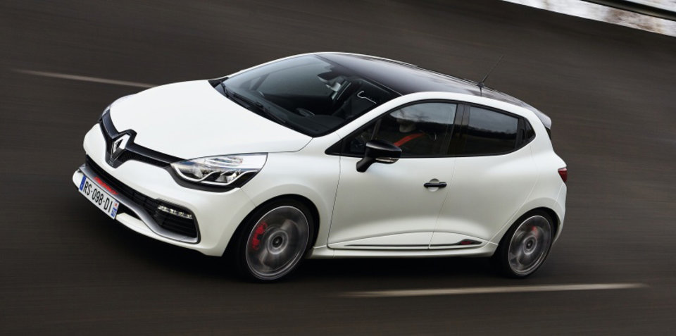 Renault Clio RS220 clocks class-beating Nurburgring lap