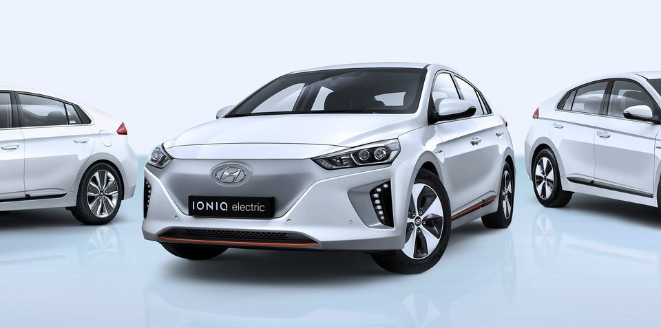 2017 Hyundai Ioniq plug-in hybrid and Electric unveiled