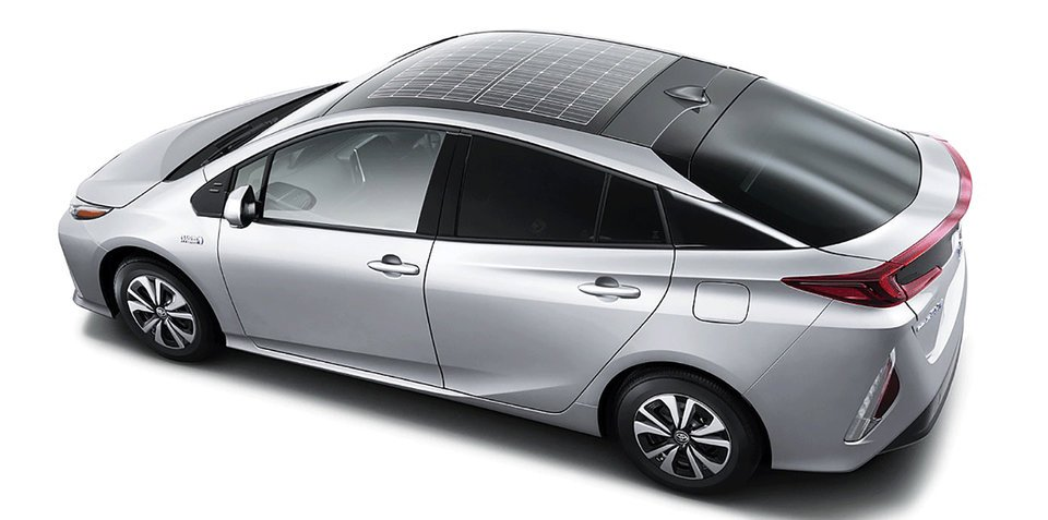 Toyota Prius plug-in hybrid gets solar roof option for Europe, Japan