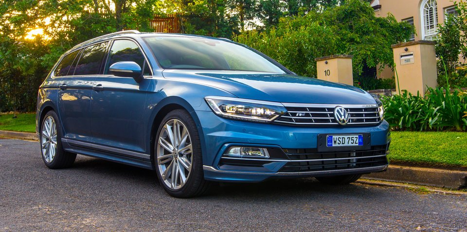 2017 volkswagen passat 206tsi r line pricing and specs available october 17 update. Black Bedroom Furniture Sets. Home Design Ideas