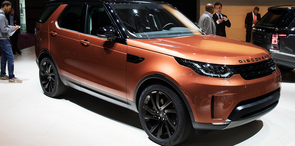 2017 land rover discovery revealed in paris full details on big new family suv. Black Bedroom Furniture Sets. Home Design Ideas