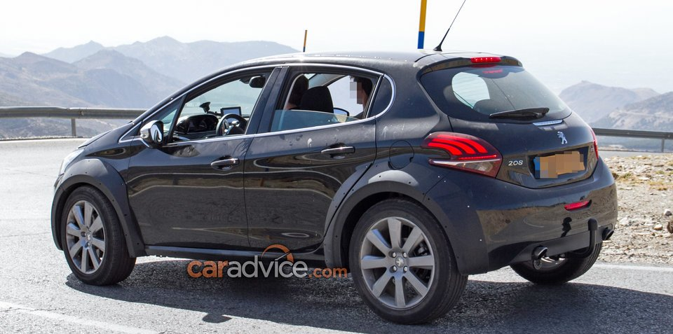 Pumped-up Peugeot crossover mule spied