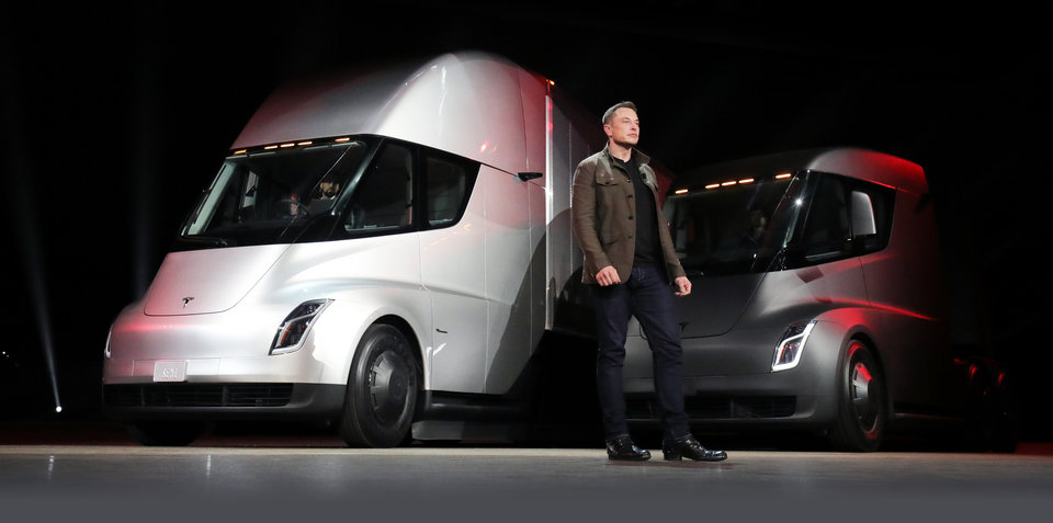Tesla Semi truck revealed, production to begin in 2019