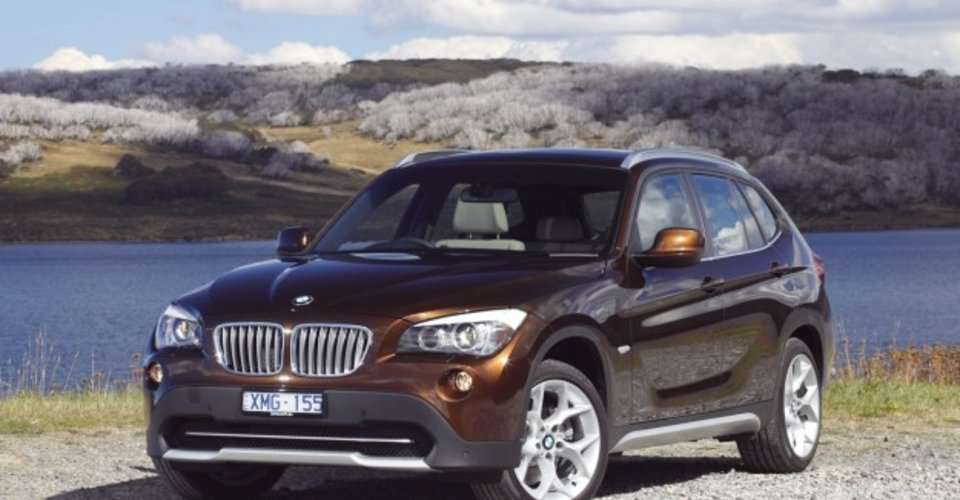 bmw x1 review bmw 39 s new compact suv caradvice. Black Bedroom Furniture Sets. Home Design Ideas
