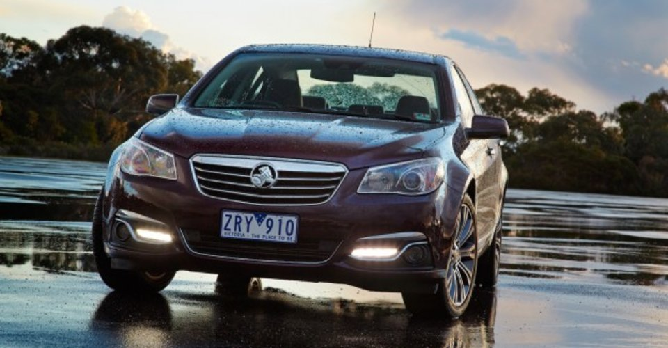 2013 holden vf calais review photos caradvice for Garage bmw calais