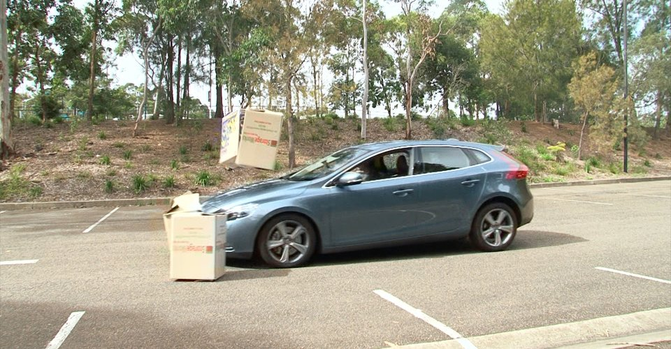 Volvo V40 Safety Video Review
