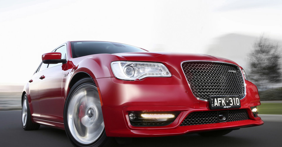 chrysler 300 could switch to fwd awd platform for next. Black Bedroom Furniture Sets. Home Design Ideas
