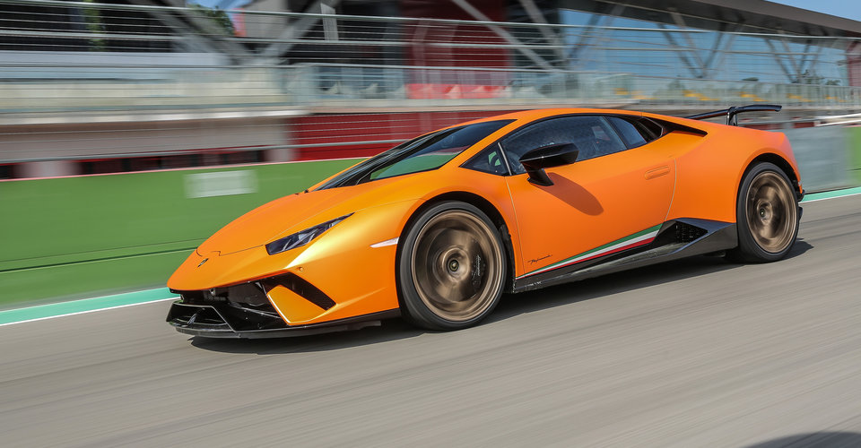 2017 lamborghini huracan performante review caradvice. Black Bedroom Furniture Sets. Home Design Ideas