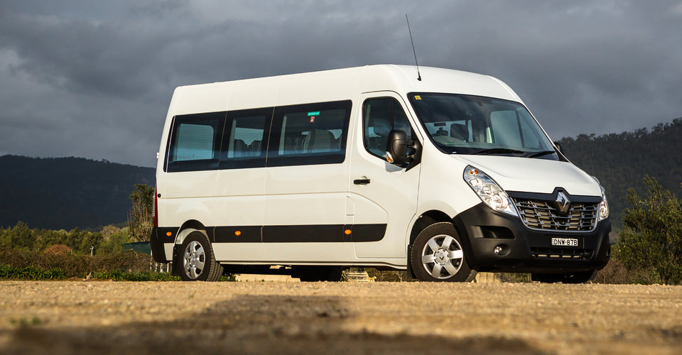 Renault master bus review