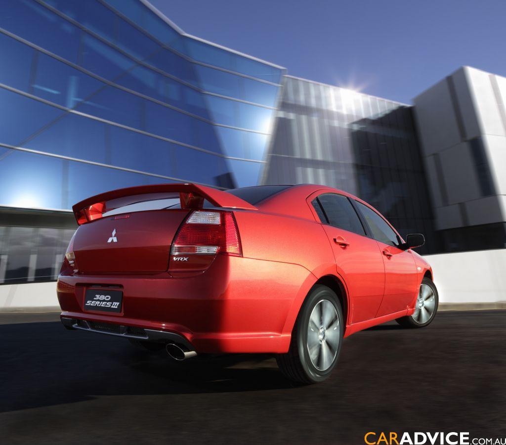 2007 Mitsubishi 380 VRX Series III Review - Photos