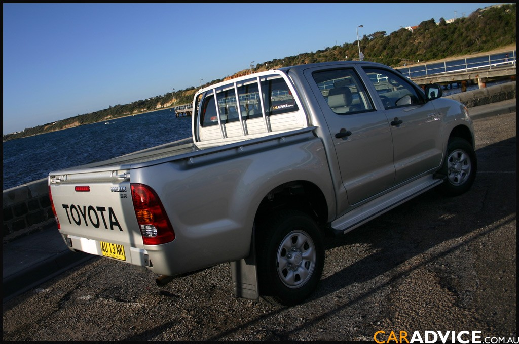 2009 Toyota HiLux Review & Road Test - photos | CarAdvice
