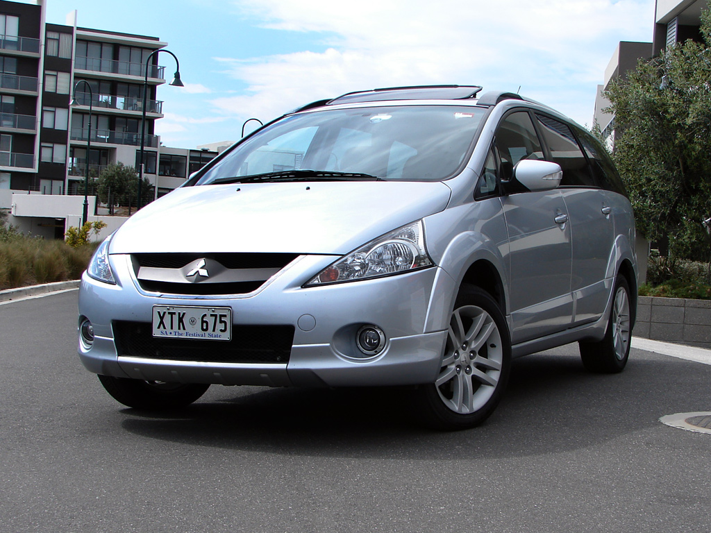 Mitsubishi Grandis Review Amp Road Test Photos Caradvice