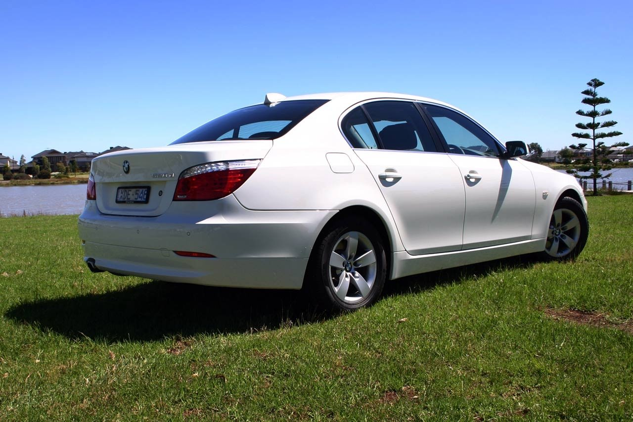 bmw 5 series review road test photos caradvice. Black Bedroom Furniture Sets. Home Design Ideas