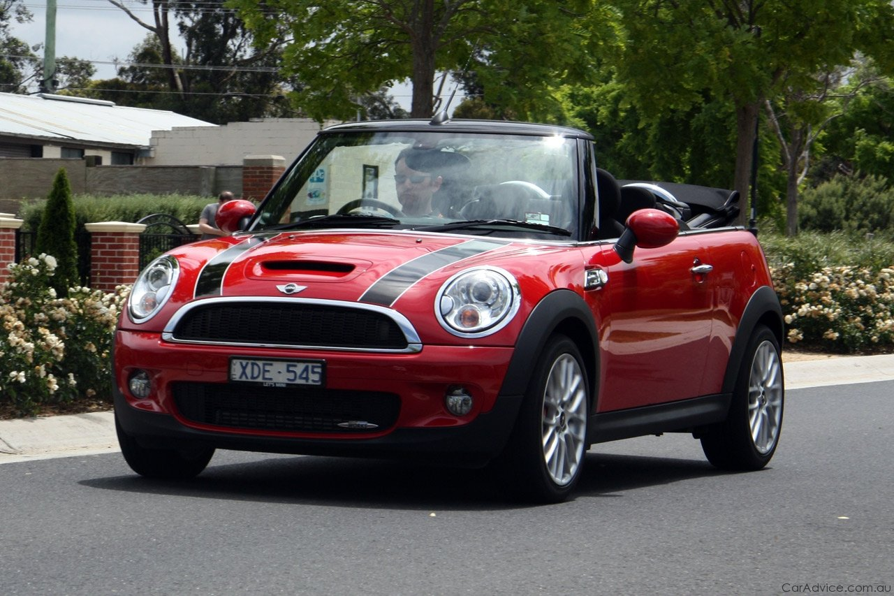 mini john cooper works cabrio review road test photos. Black Bedroom Furniture Sets. Home Design Ideas
