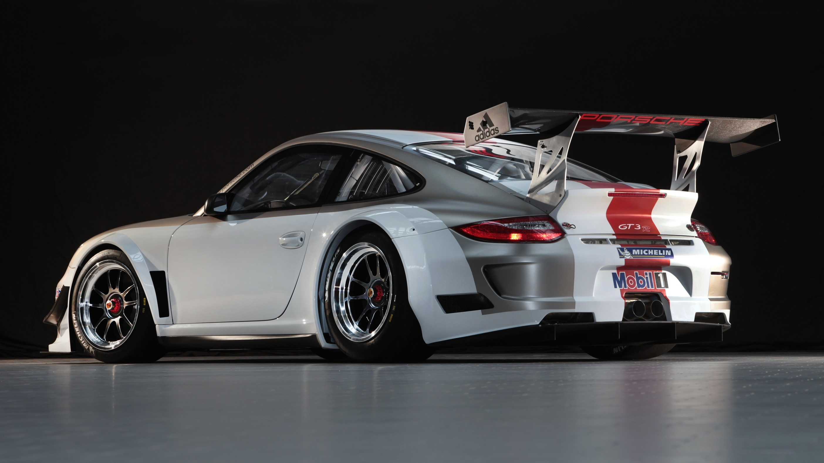porsche 911 gt3 r race car launched photos caradvice. Black Bedroom Furniture Sets. Home Design Ideas