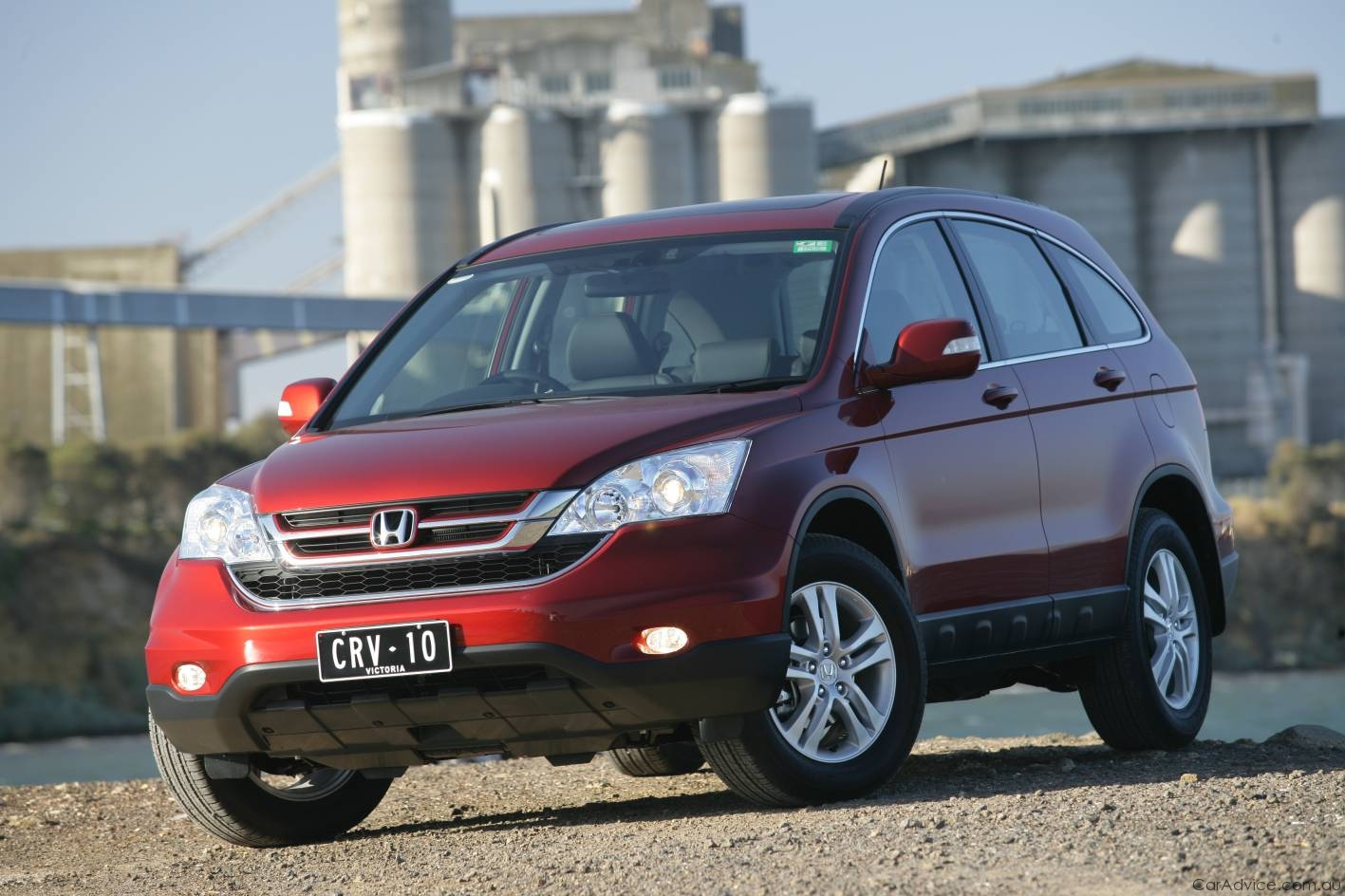 Honda CR-V Review & Road Test - Photos