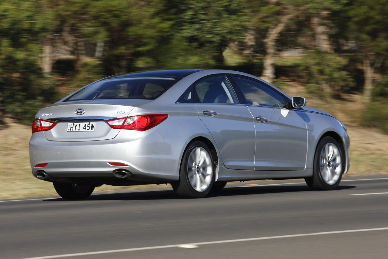 Hyundai i45 Review - photos | CarAdvice
