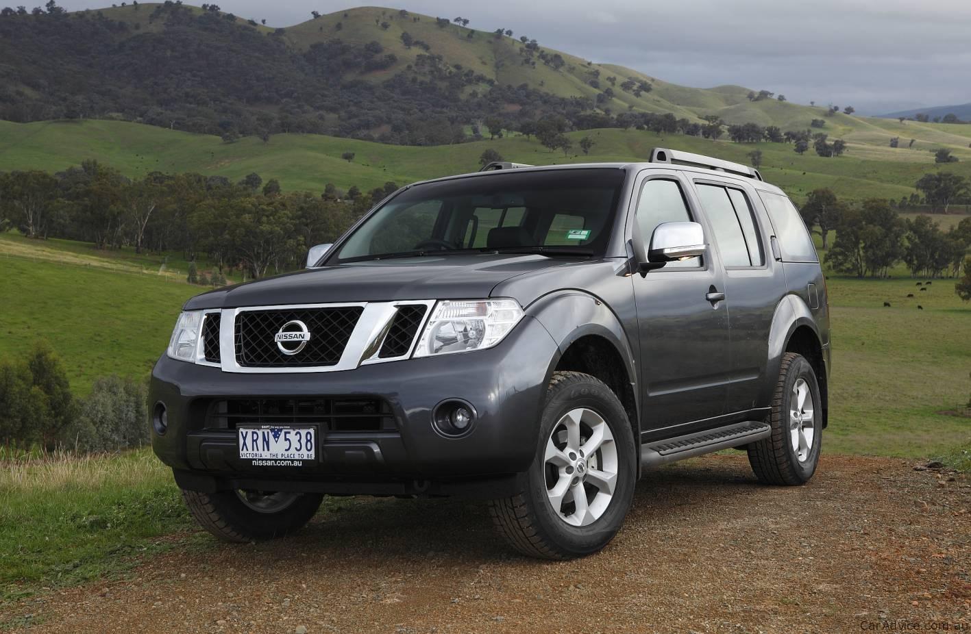 2010 Nissan Pathfinder Range Revised - Photos