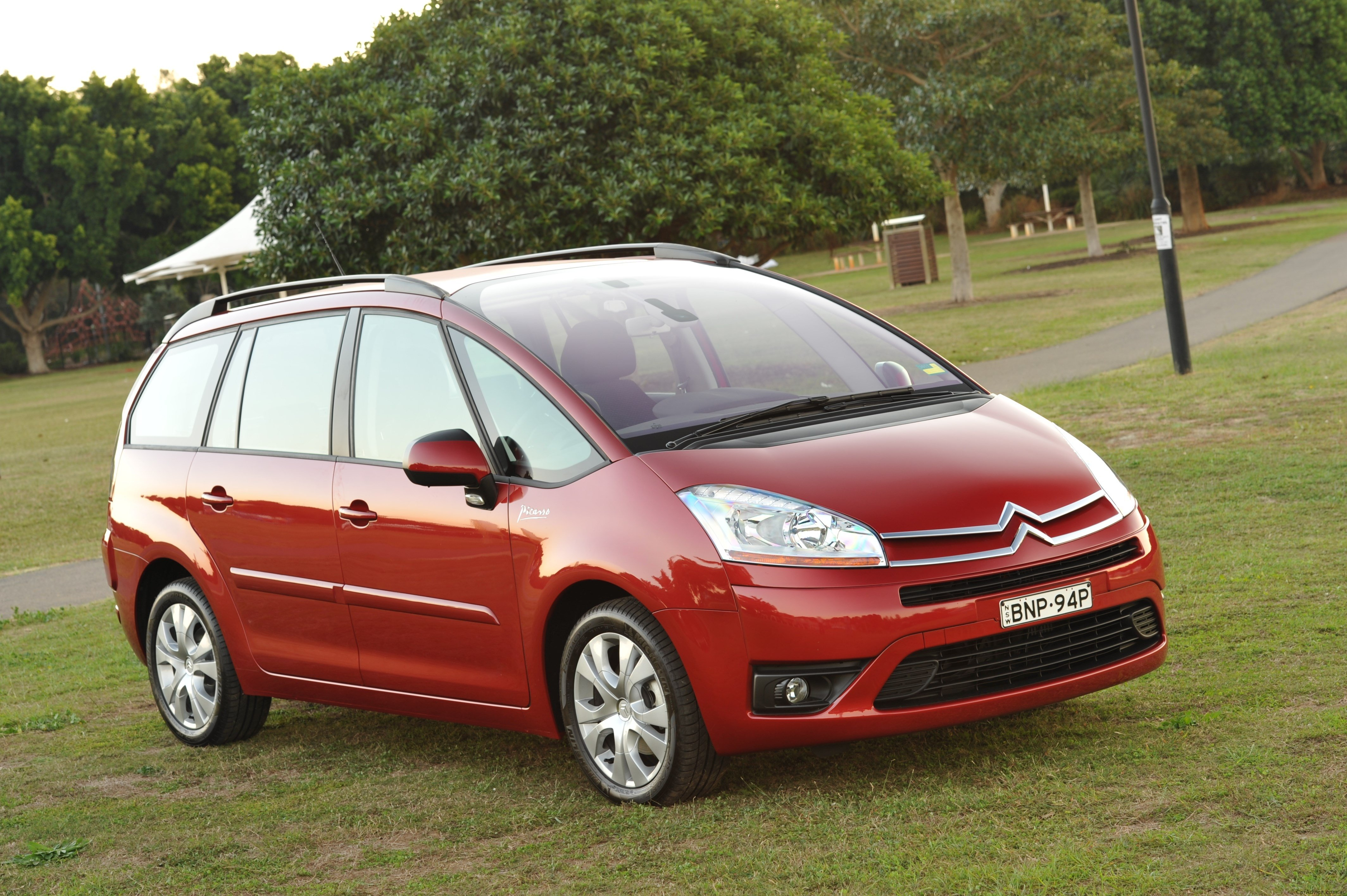 2010 citroen c4 picasso gets 6000 price cut photos caradvice. Black Bedroom Furniture Sets. Home Design Ideas
