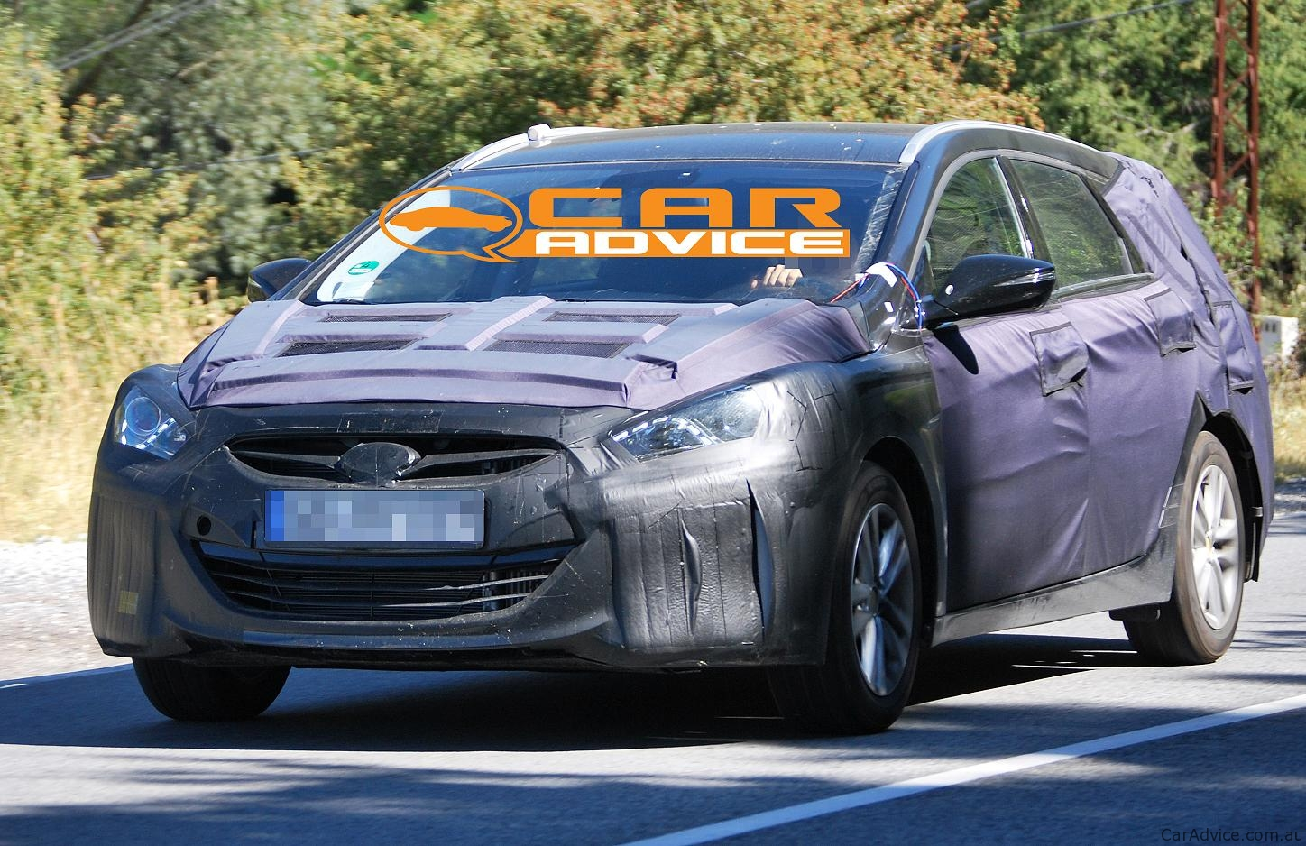 hyundai i40sw prototype spied photos. Black Bedroom Furniture Sets. Home Design Ideas