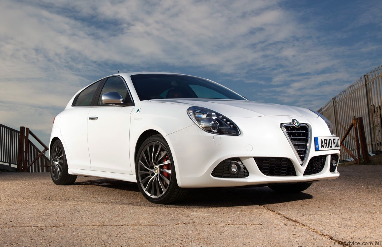 2010 alfa romeo giulietta review photos caradvice. Black Bedroom Furniture Sets. Home Design Ideas