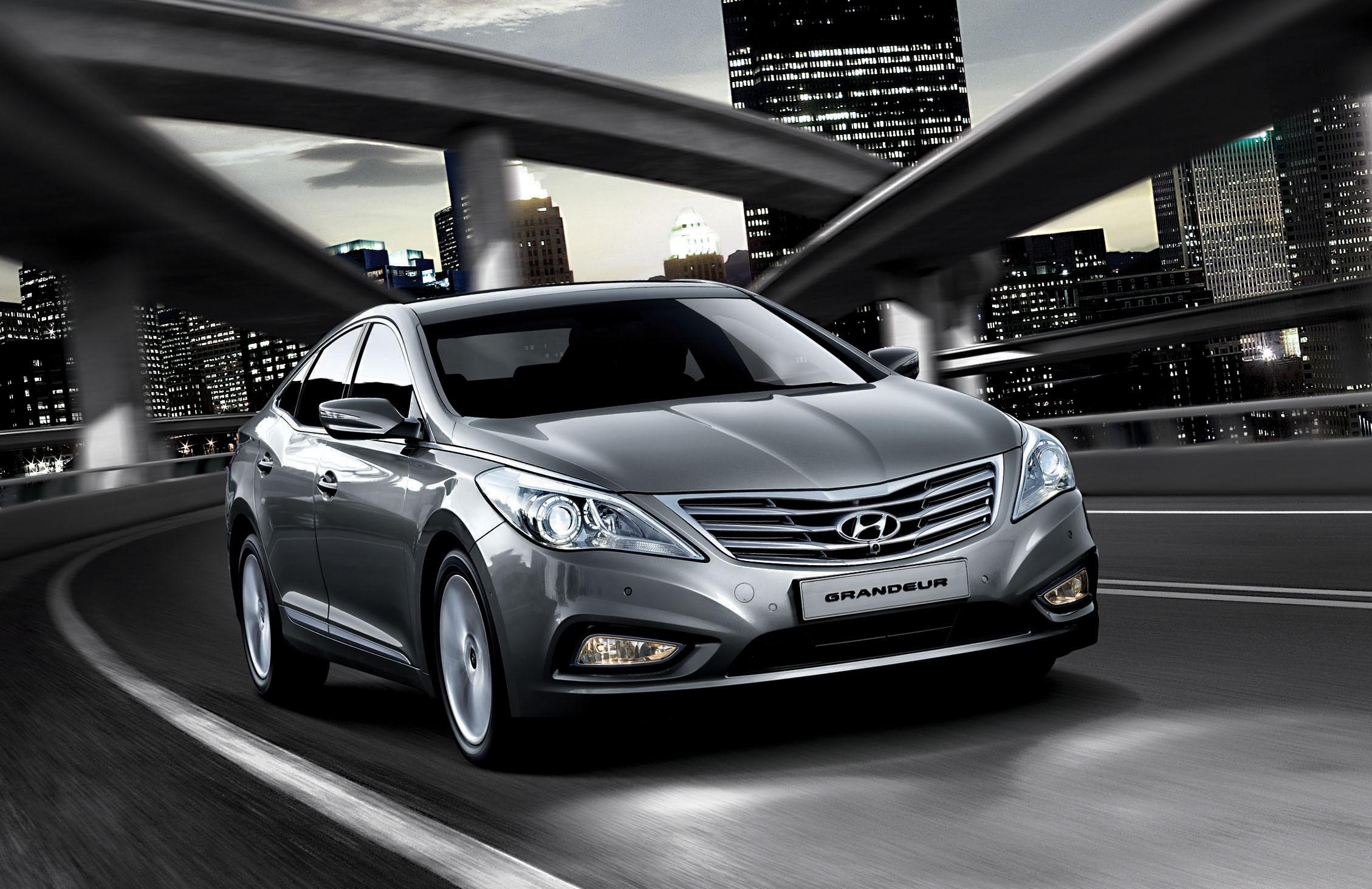 Toyota Large Suv >> 2012 Hyundai Grandeur unveiled in Korea - Photos