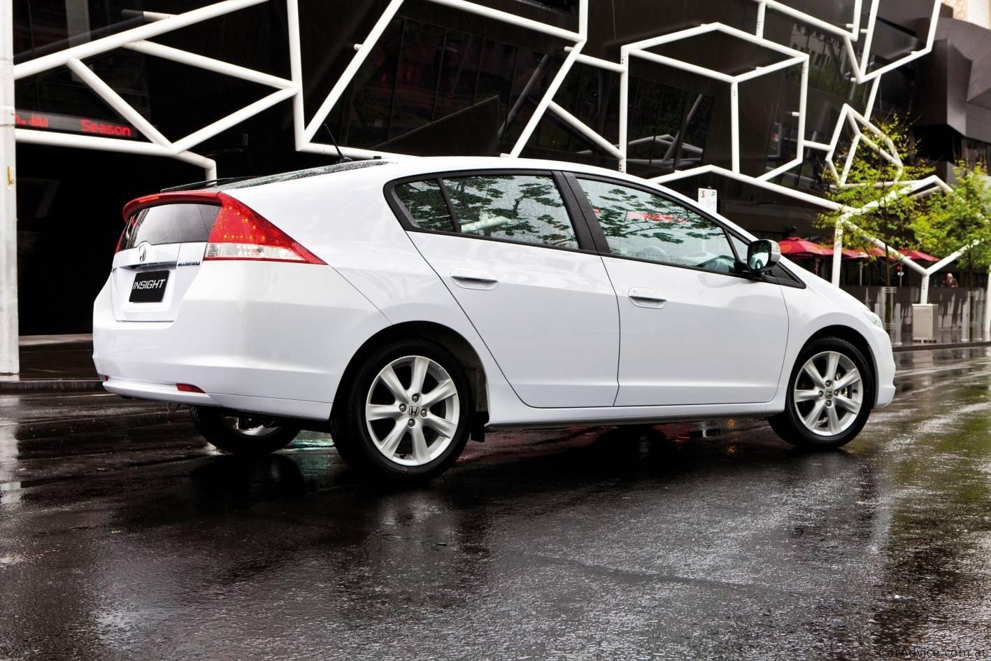 honda insight vti   toyota prius hybrid car comparison  caradvice
