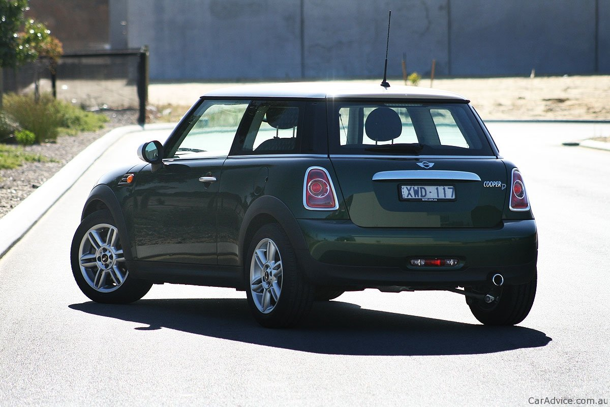 mini cooper d review caradvice. Black Bedroom Furniture Sets. Home Design Ideas
