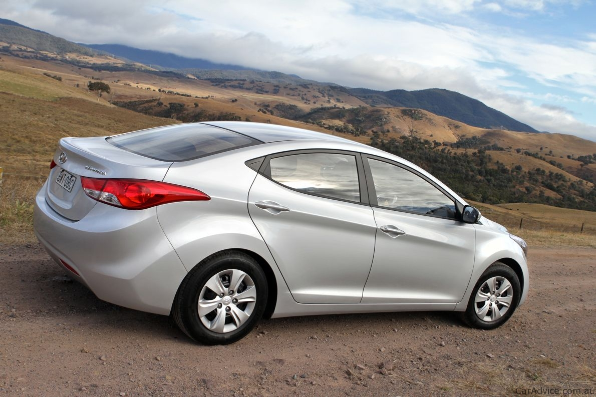 2012 hyundai elantra review photos caradvice. Black Bedroom Furniture Sets. Home Design Ideas