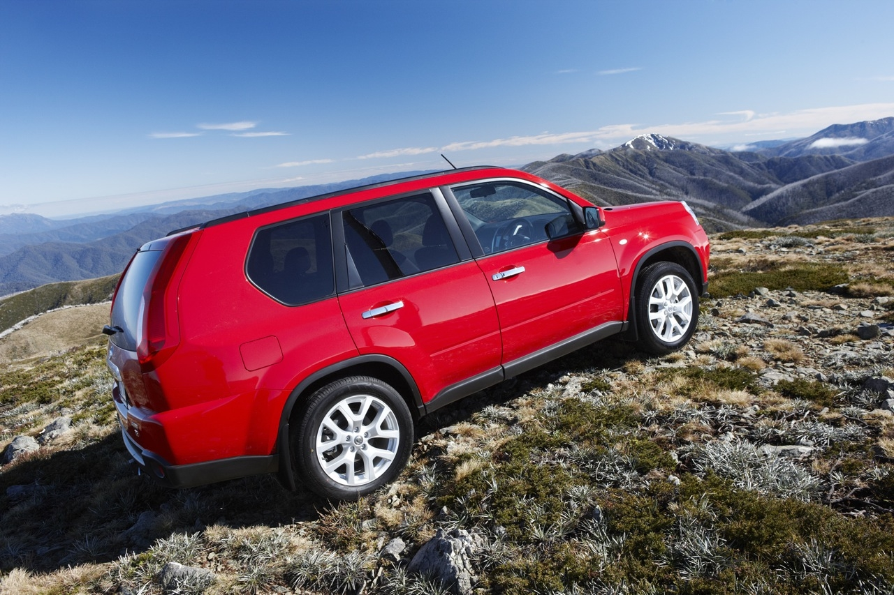 nissan x trail pathfinder off road review photos. Black Bedroom Furniture Sets. Home Design Ideas