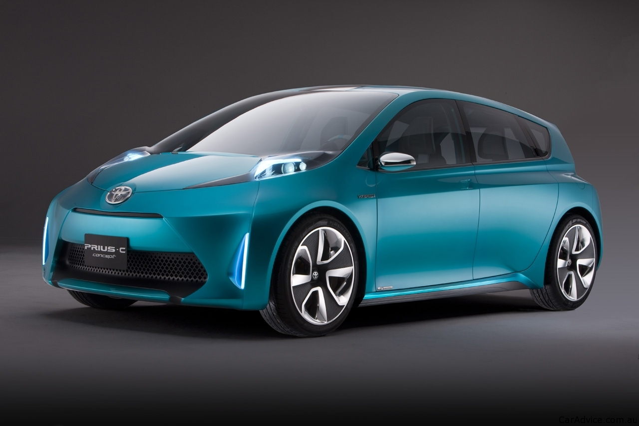 Toyota Prius c revealed in Japanese brochure - photos ...