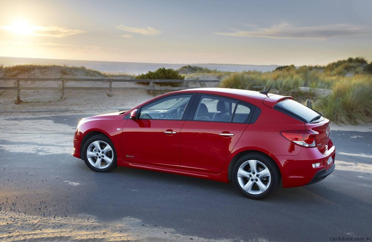 Holden Cruze For Sale >> Holden Cruze hatch on sale in Australia - photos | CarAdvice