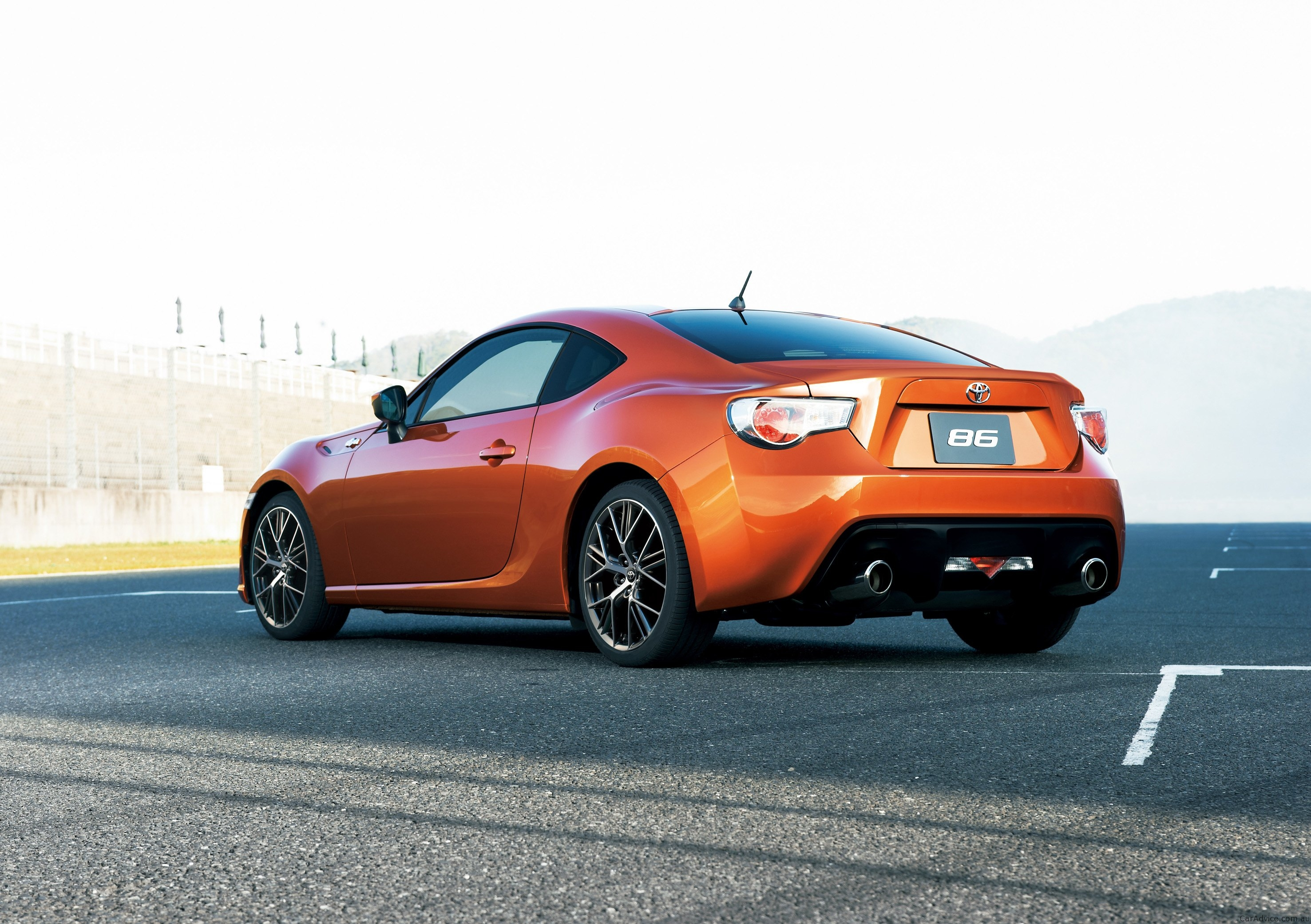 Toyota 86 sports car revealed: official pictures & details ...