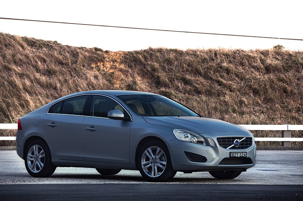 Volvo S60 T4 Review - photos | CarAdvice