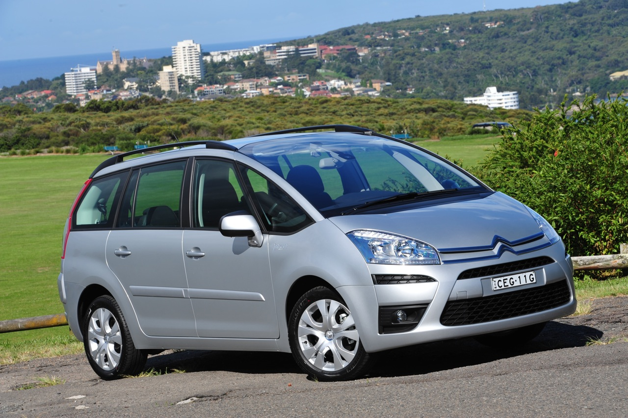 2012 citroen c4 picasso now cheaper and more efficient photos caradvice. Black Bedroom Furniture Sets. Home Design Ideas
