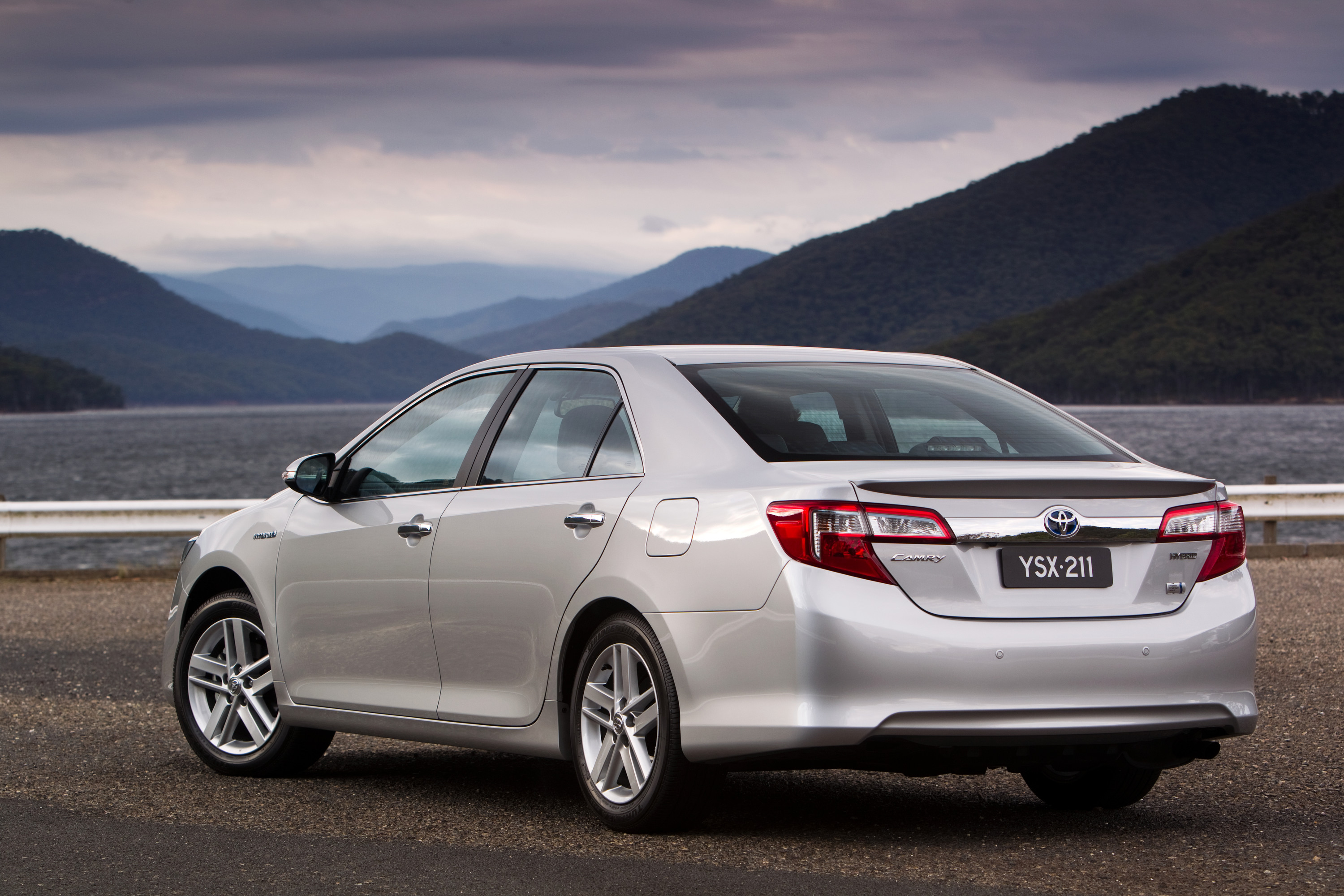 toyota camry hybrid review caradvice. Black Bedroom Furniture Sets. Home Design Ideas