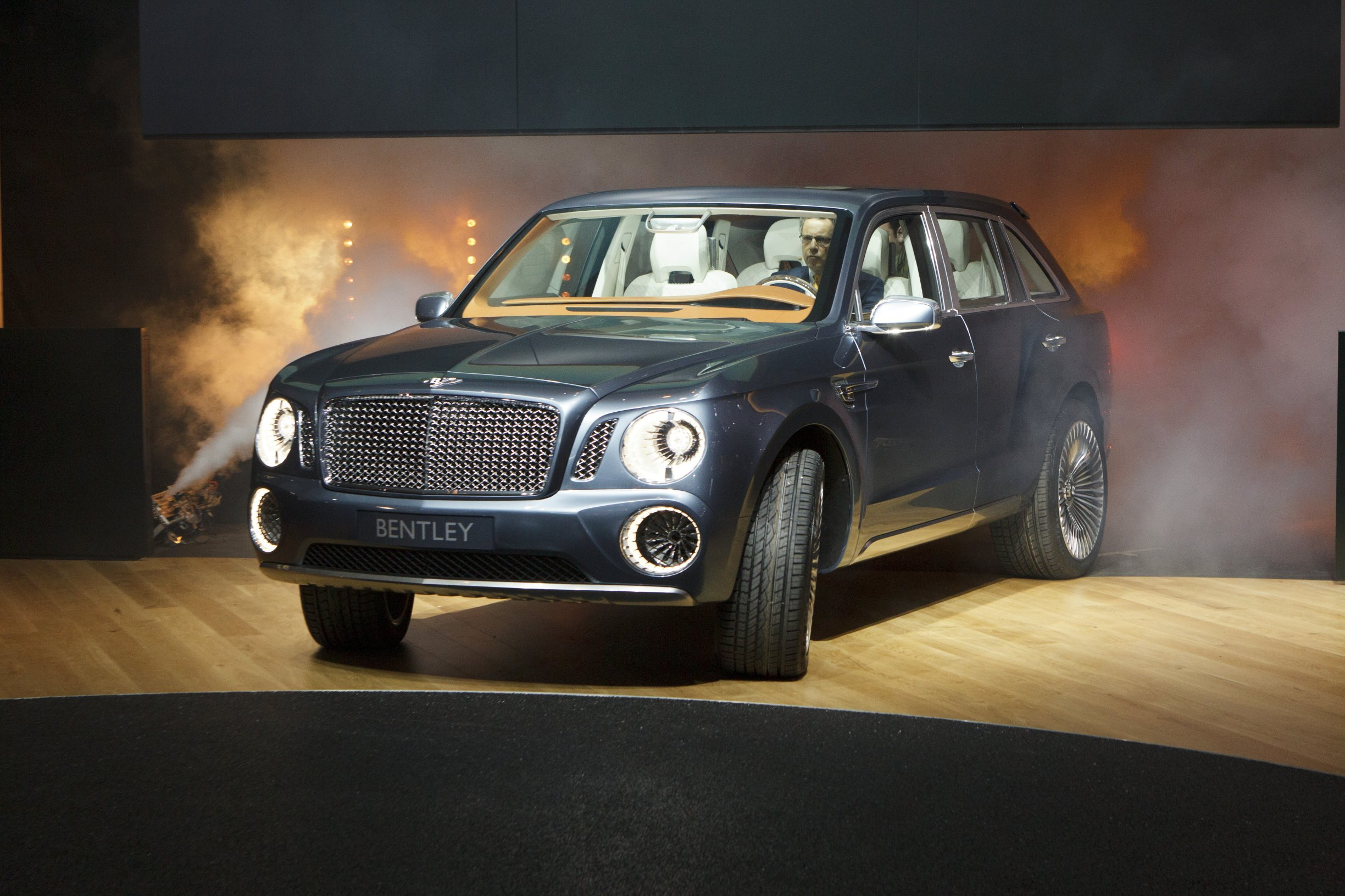 cars price top spur suv bentley flying speed