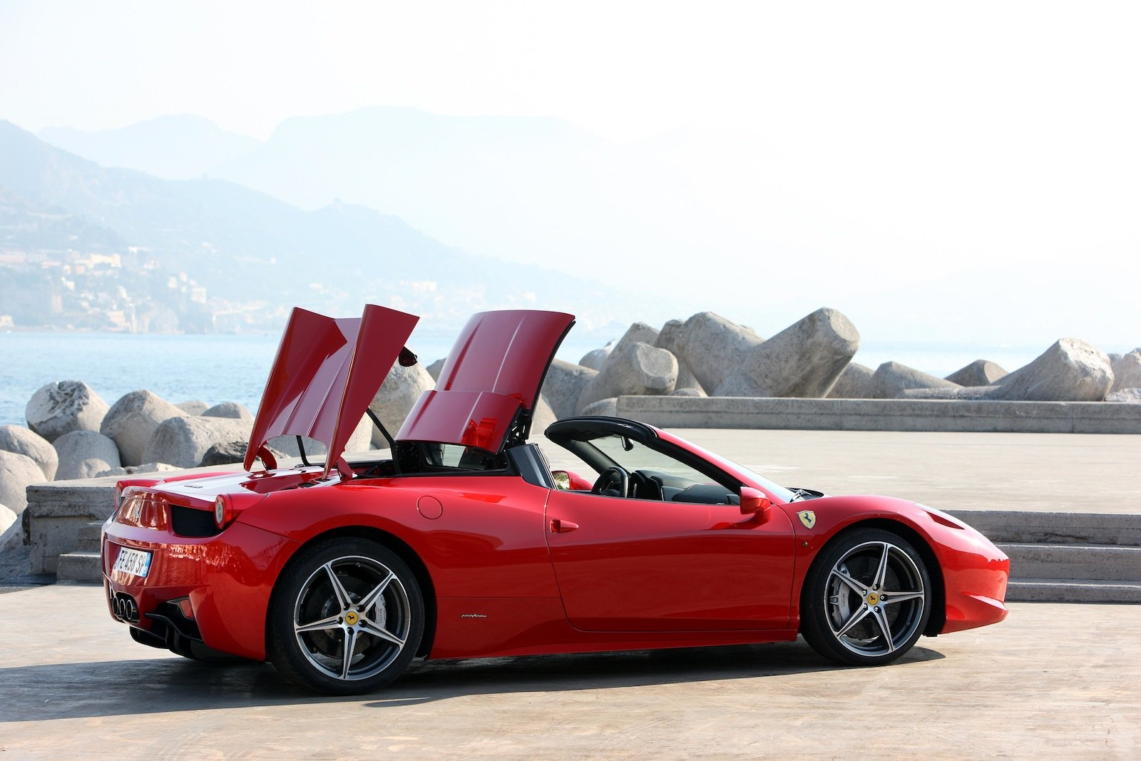 ferrari 458 spider debuts at melbourne grand prix photos. Black Bedroom Furniture Sets. Home Design Ideas